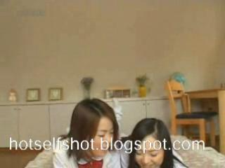 Pearly ASIAN LESBIANS 1