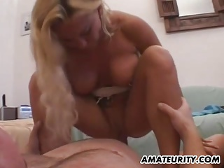 Amateur mom with fat Bristols homemade action