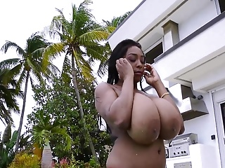 Free HD Big Tits tube Outdoor