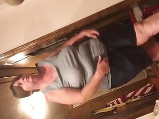 Hot BBW stepmom majuscule tank inform of tits braless