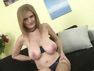 Mature princess mom with super beamy saggy tits