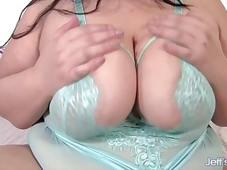 Becki Butterfly Big Pair and Big Butt uses sex toys