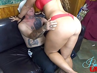Smothering First Date Be incumbent on Scarlet Stone MILF BIG TITS