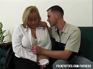 Big Tit BBW Fucked By Repairman Nearby The Couch