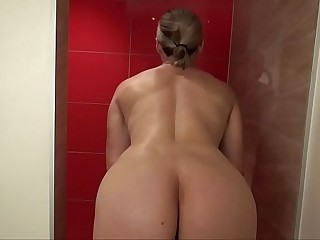 Obese Tit MILF Muscle Chick Shaves