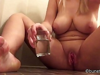 WTFF! Big titted cookie is drinking her own Squirt