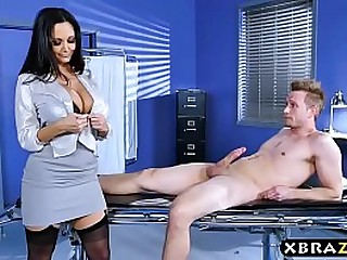 Huge soul doctor Ava Addams fixes big dick role