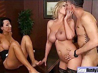 Mature Lady With Bigtits Perform Amazing Sex vid-16