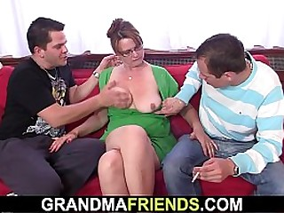 Busty mommy taking moneyed in the ass