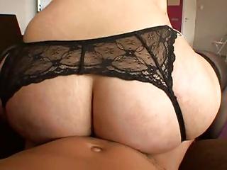 big butt Spanish bounces on cock